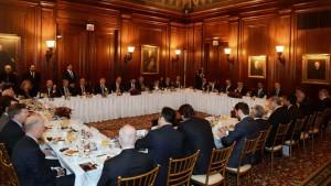 Cumhurbaskani Erdogan TOBB Baskani Hisarciklioglu. Muhtar Kent ve ABDli Isadamlariyla Bulustu (Medium)