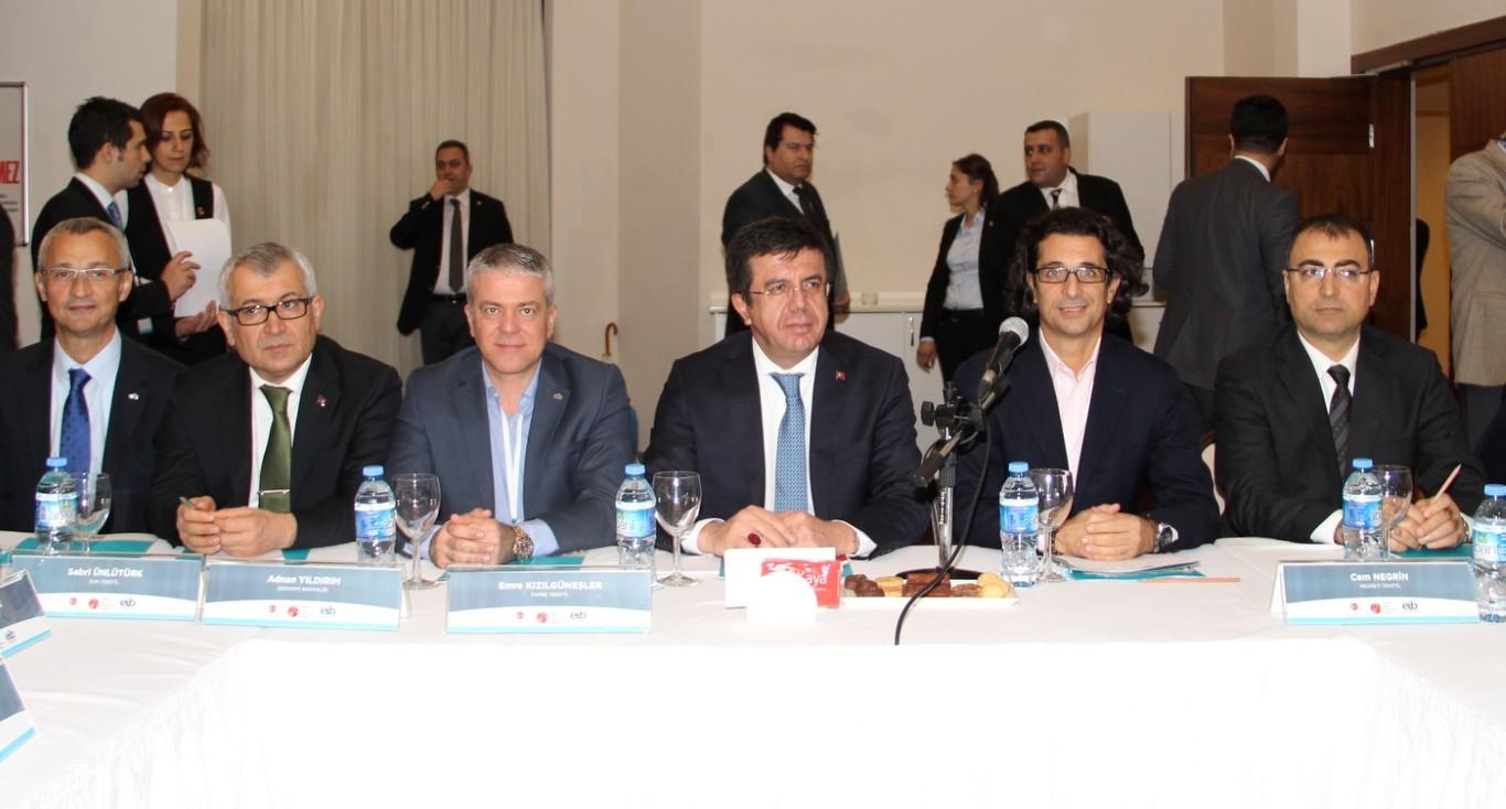 """Ekonomi Bakanı Nihat Zeybekçi TGSD'ye """"1000 yıl"""" sözü verdi!.."""